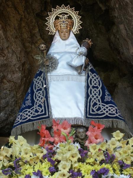 Virgen-covadonga-min